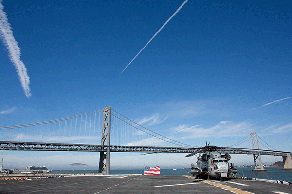 Взлетная палуба USS America. Фото Alexey Bochkovsky